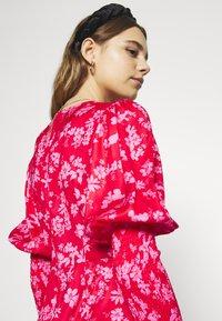 Never Fully Dressed - MINI DELORES DRESS - Korte jurk - pink - 4