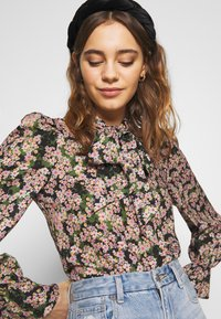 Never Fully Dressed - TIE NECK TOP - Blouse - green - 5