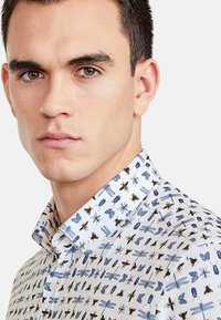 NEW IN TOWN - Shirt - white - 3