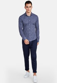 NEW IN TOWN - Shirt - blue - 1