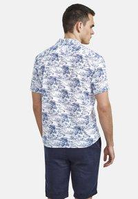 NEW IN TOWN - HAWAIIAN-STYLE - Shirt - blue ii - 2
