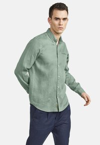 NEW IN TOWN - MIT BUTTON-DOWN-KRAGEN - Shirt - green - 0