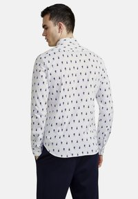 NEW IN TOWN - Shirt - white - 2