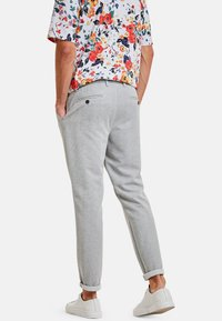 NEW IN TOWN - DAVE - Chinos - grey - 2