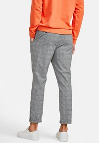 NEW IN TOWN - Chinos - grey - 2
