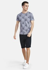 NEW IN TOWN - Shorts - navy - 1