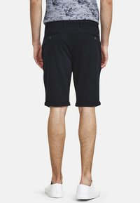 NEW IN TOWN - Shorts - navy - 2