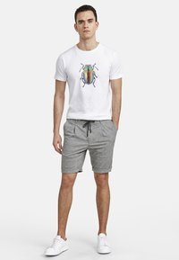 NEW IN TOWN - Shorts - grey - 1