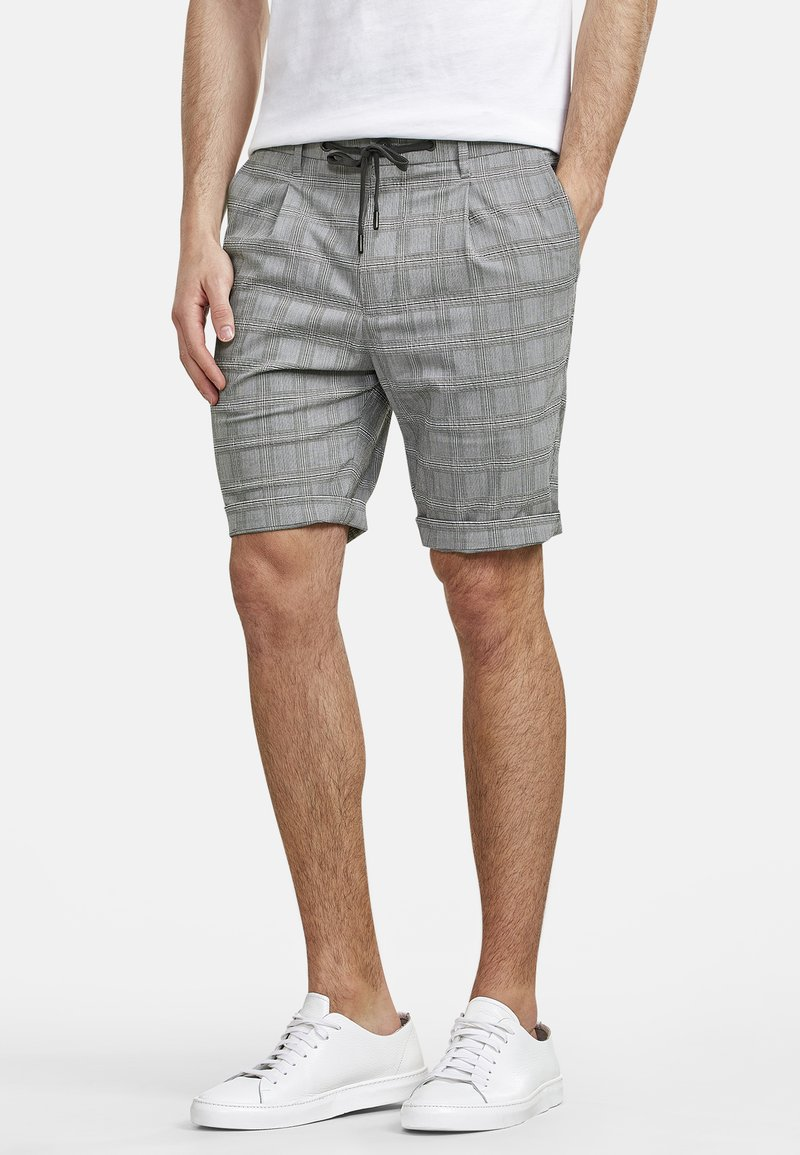 NEW IN TOWN - Shorts - grey