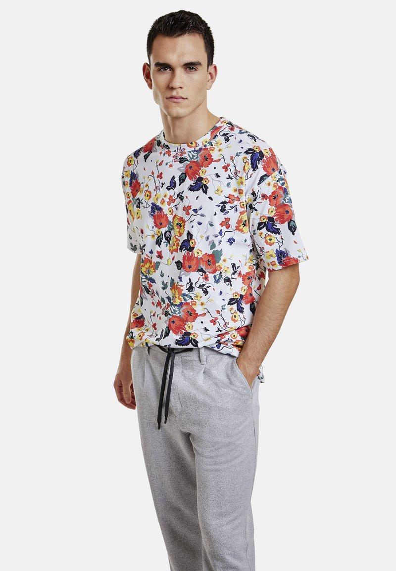 NEW IN TOWN - Print T-shirt - broken white