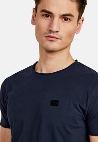 NEW IN TOWN - Basic T-shirt - night blue - 3