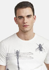 NEW IN TOWN - INSECTS - Print T-shirt - broken white - 3
