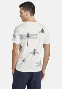 NEW IN TOWN - INSECTS - Print T-shirt - broken white - 2
