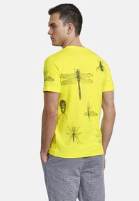 NEW IN TOWN - INSECTS - Print T-shirt - neon green - 2