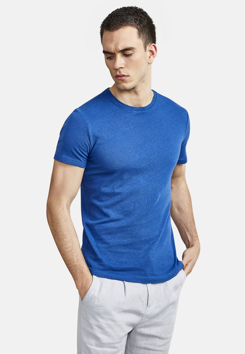 NEW IN TOWN - Basic T-shirt - blue