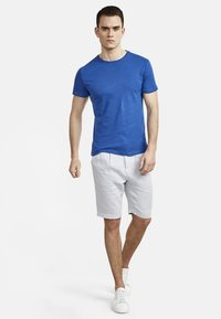 NEW IN TOWN - Basic T-shirt - blue - 1