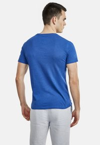 NEW IN TOWN - Basic T-shirt - blue - 2