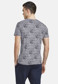 NEW IN TOWN - Print T-shirt - grey - 2