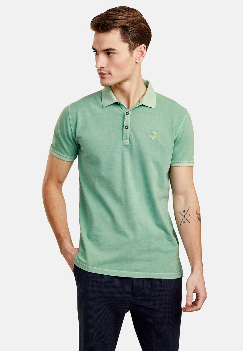 NEW IN TOWN - Polo shirt - green
