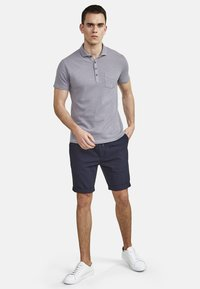 NEW IN TOWN - Polo shirt - grey - 1