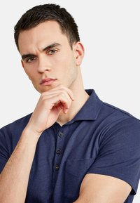 NEW IN TOWN - Polo shirt - night blue - 3