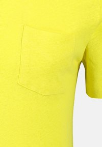 NEW IN TOWN - Polo shirt - wild lime - 4