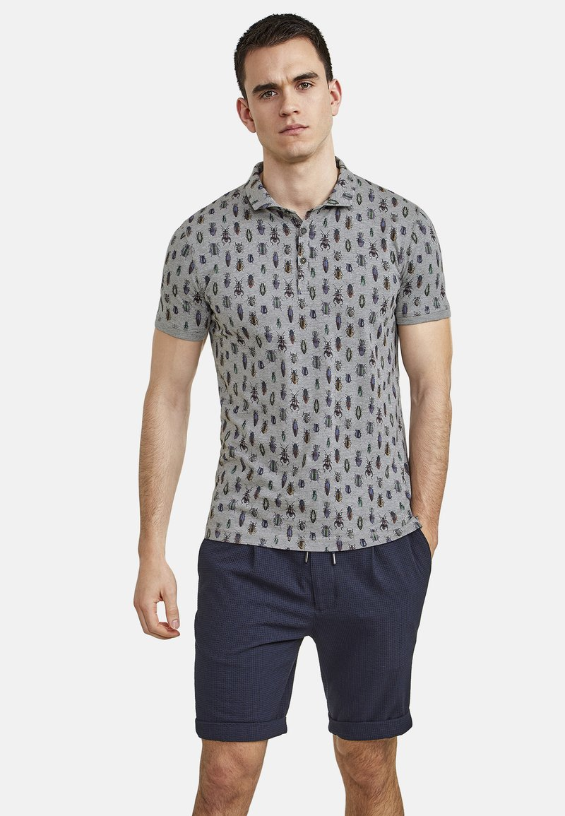 NEW IN TOWN - MIT ALLOVER-INSEKTENPRINT - Polo shirt - grey