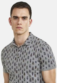NEW IN TOWN - MIT ALLOVER-INSEKTENPRINT - Polo shirt - grey - 3