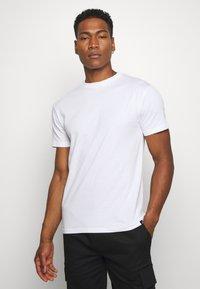 Newport Bay Sailing Club - NEWPORT MULTI TEE 5 PACK - Basic T-shirt - white - 1