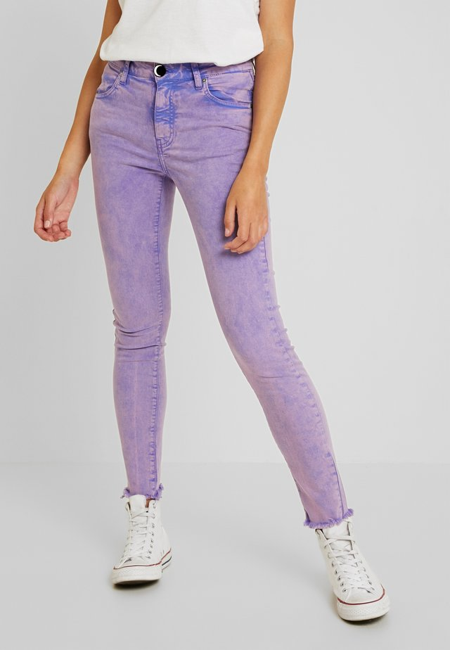 HONEYCHILD - Jeansy Skinny Fit - purple rain
