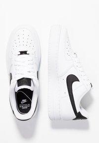 Nike Sportswear - AIR FORCE 1 '07 - Sneakers laag - white/black - 3