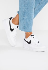 Nike Sportswear - AIR FORCE 1 '07 - Zapatillas - white/black - 0