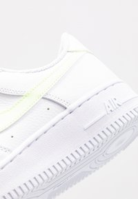 Nike Sportswear - AIR FORCE 1 '07 - Trainers - white/barely volt - 5