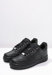Nike Sportswear - AIR FORCE 1 '07 - Matalavartiset tennarit - black - 2