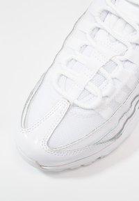 Nike Sportswear - AIR MAX - Sneakersy niskie - white - 2