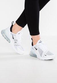Nike Sportswear - AIR MAX 270 - Joggesko - white/black - 0