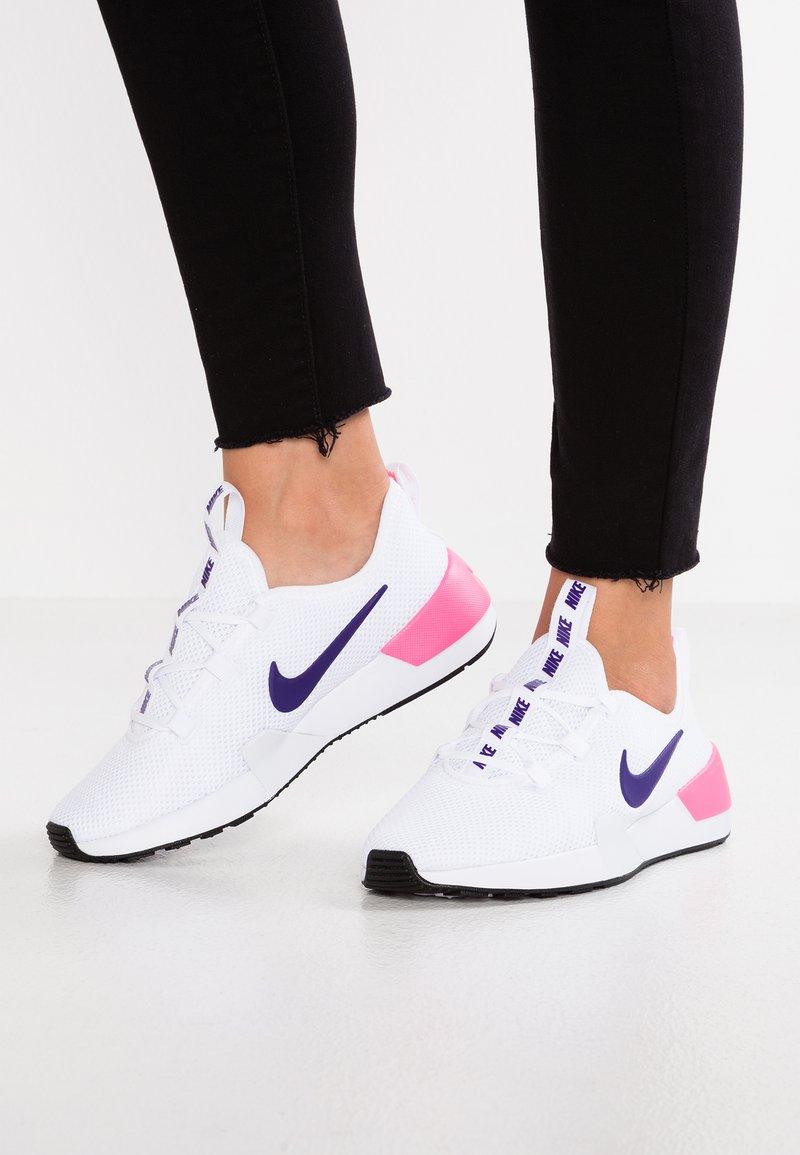 Nike Sportswear - ASHIN MODERN - Sneaker low - white/court purple/laser pink