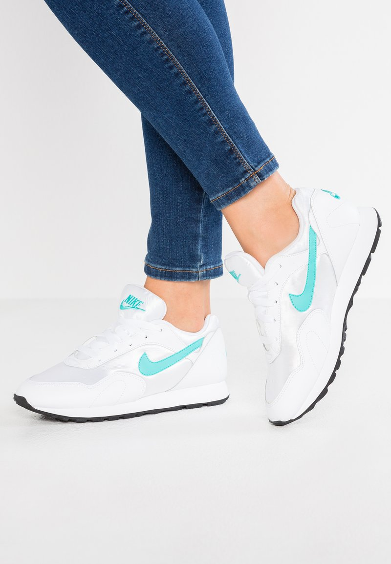Nike Sportswear - OUTBURST - Sneaker low - white/light retro/black