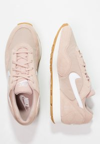 Nike Sportswear - OUTBURST - Baskets basses - particle beige/white/sand - 3