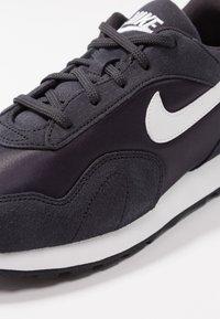 Nike Sportswear - OUTBURST - Baskets basses - oil grey/summit white/black - 2
