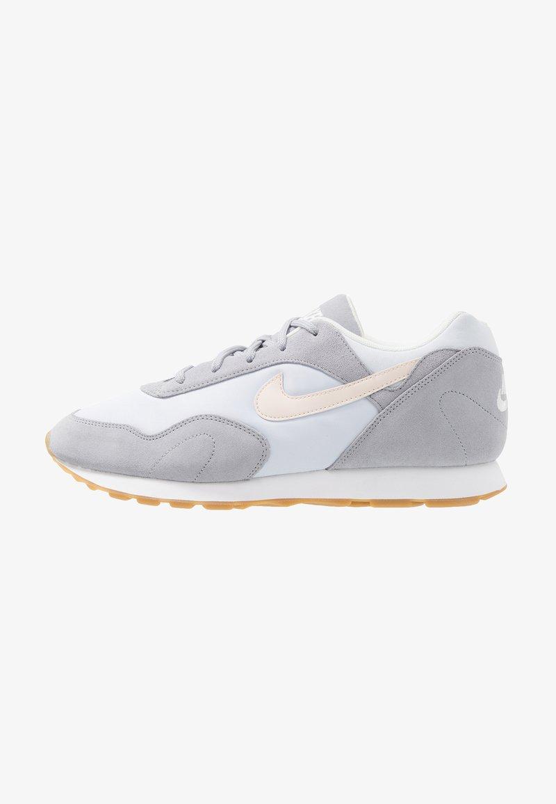 Nike Sportswear - OUTBURST - Sneaker low - wolf grey/guava ice/football grey/summit white/light brown