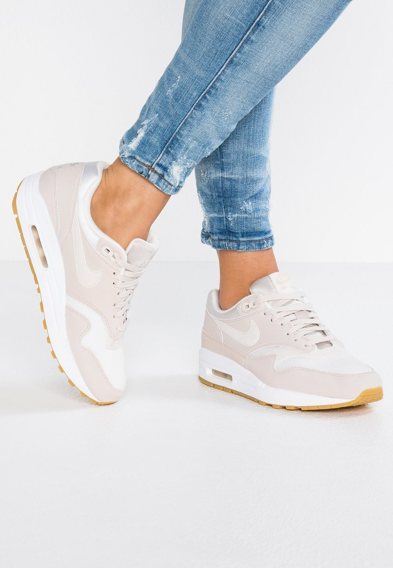 Nike Sportswear - AIR MAX 1 - Sneaker low - desert sand/phantom/light brown