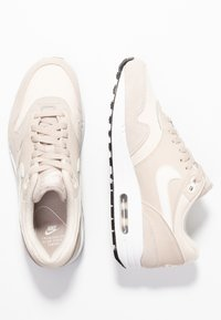 Nike Sportswear - AIR MAX 1 - Sneaker low - string/sail/light cream/black/white - 3
