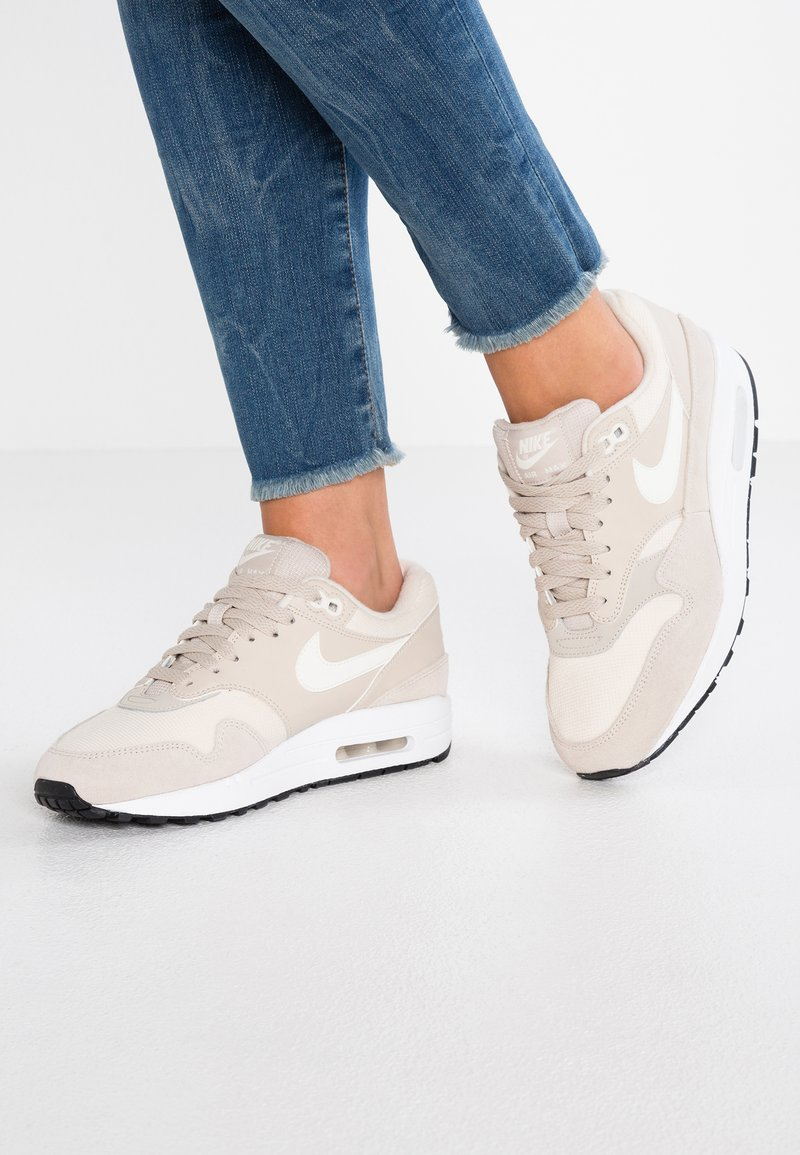 Nike Sportswear - AIR MAX 1 - Sneaker low - string/sail/light cream/black/white