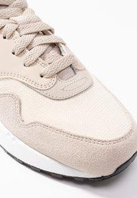 Nike Sportswear - AIR MAX 1 - Sneaker low - string/sail/light cream/black/white - 2