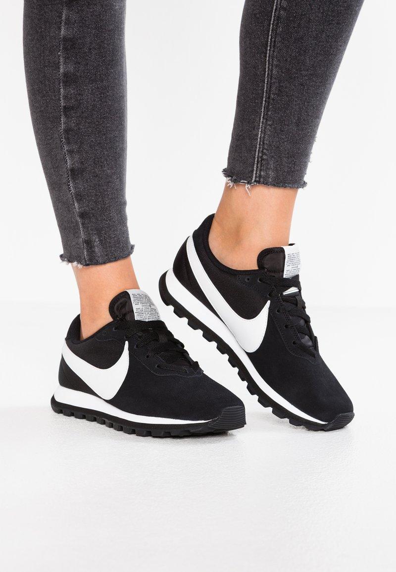 Nike Sportswear - PRE-LOVE O.X. - Sneaker low - black/summit white