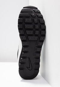 Nike Sportswear - PRE-LOVE O.X. - Sneaker low - black/summit white - 6