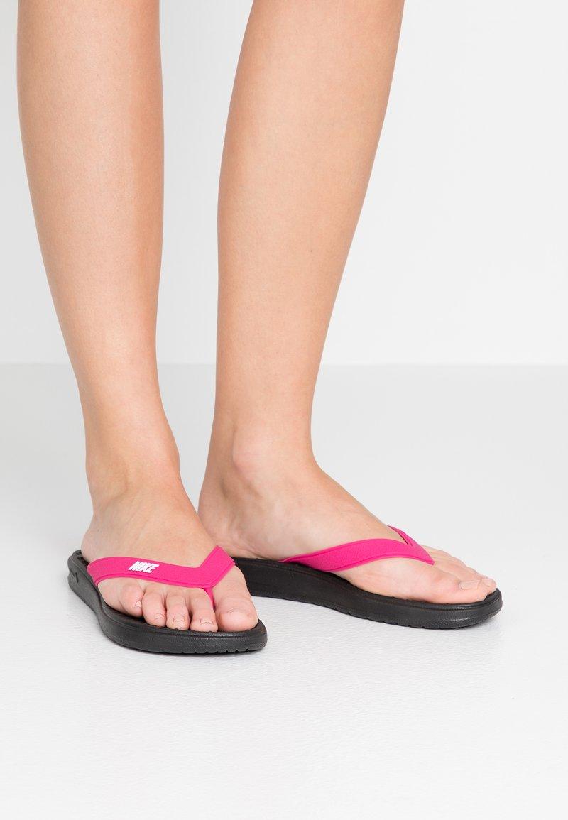 Nike Sportswear - SOLAY THONG - Chanclas de dedo - black/white/vivid pink