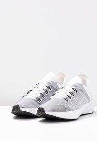 Nike Sportswear - EXP-X14 - Tenisky - white/wolf grey/black - 4