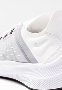 Nike Sportswear - EXP-X14 - Tenisky - white/wolf grey/black - 2